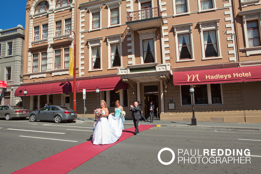 Red carpet - Hadleys Hotel - by Hobart wedding photographer Paul Redding