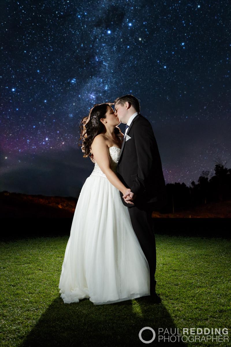 W837_499c-Twin Oval Function Centre Kingston Tasmania Wedding. Photography by Paul Redding, Creative wedding photography